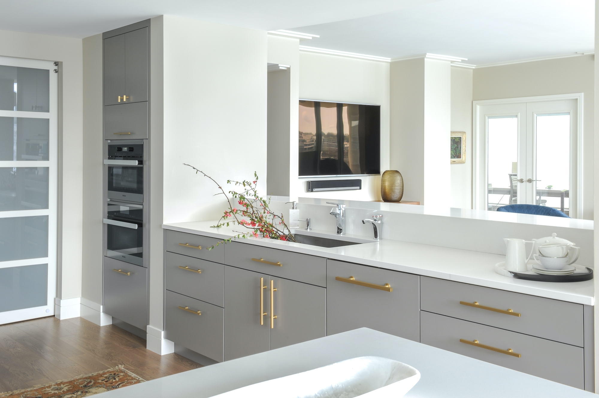 Yaletown Condo Kitchen counters